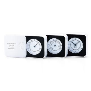 1台3役の温湿度アラームクロックに記念の文字を入れて。便利な記念品 商品画像