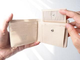 バイフォールド ウォレット 機能性抜群!チョイ持ちサイズの財布 商品画像