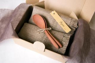 「やさしいテーブルセット」木のスプーンと天然素材手織りマットのセット|商品画像