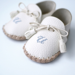 【赤ちゃんの初めの一歩】ファーストシューズキット|商品画像