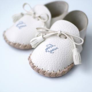 【赤ちゃんの初めの一歩】ファーストシューズキット|商品写真サムネイル