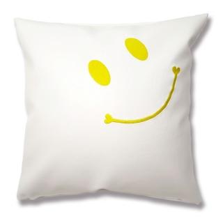 ニコちゃんスマイル刺繍クッション white×Yellow刺繍 フェイクレザー|商品画像