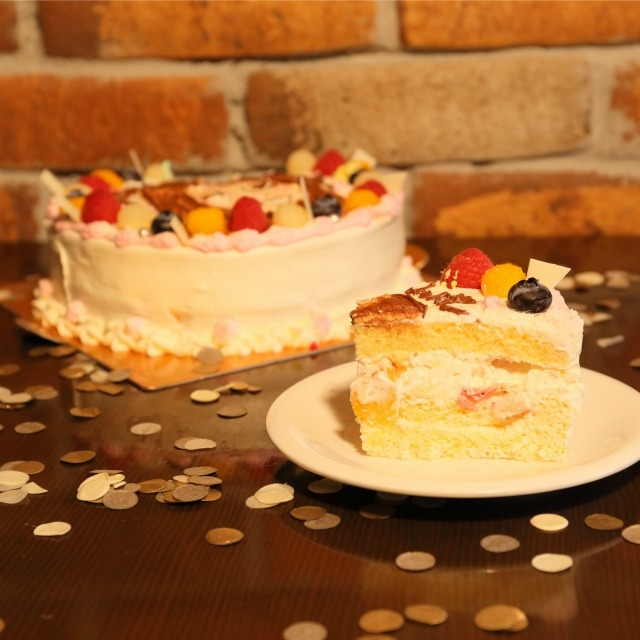 笑顔ケーキ【6号18cm・6人~7人分】|商品写真