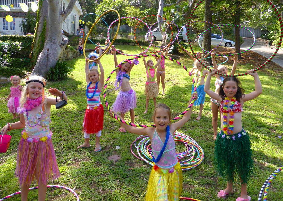 kids-birthday-party-hula-hoop