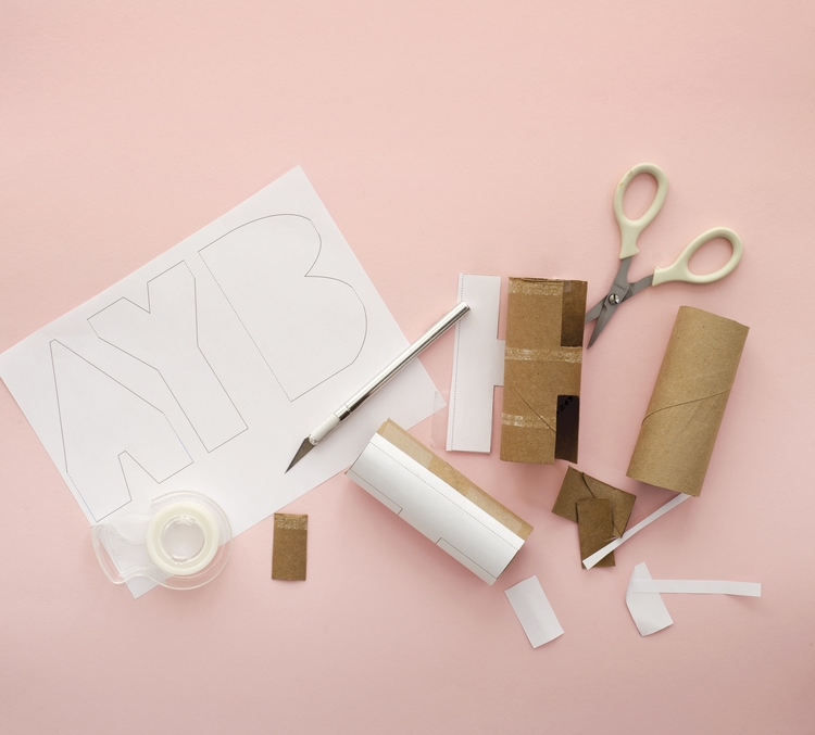 Toilet-Tube-Letters-How-To-Super-Make-It