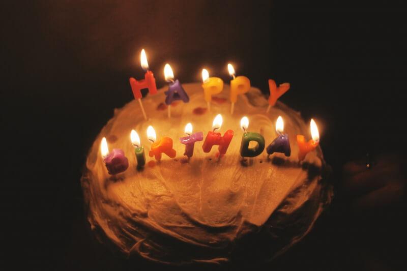 「家族3人 誕生日 祝い」の画像検索結果