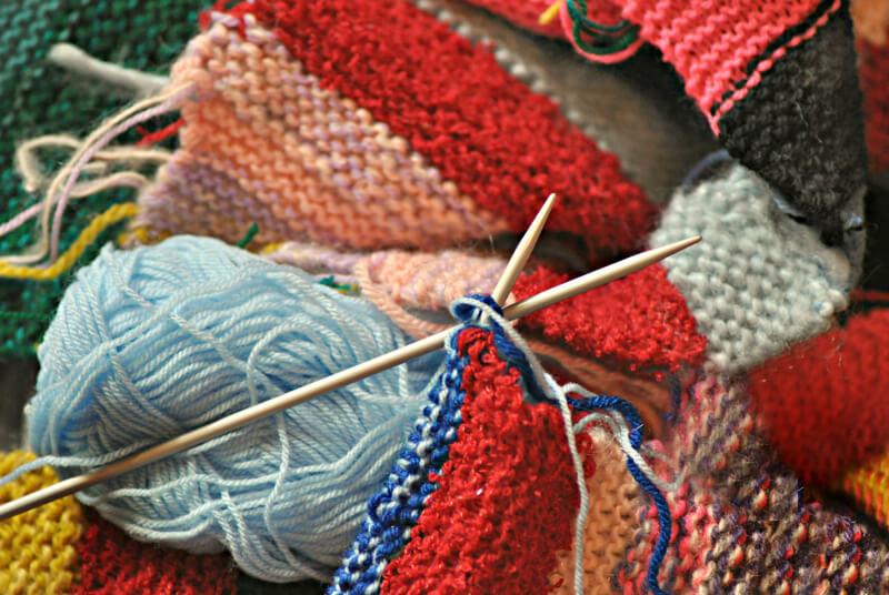 編み途中のマフラー