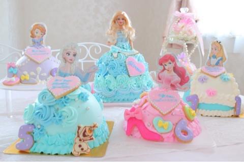 たくさんのドールケーキ