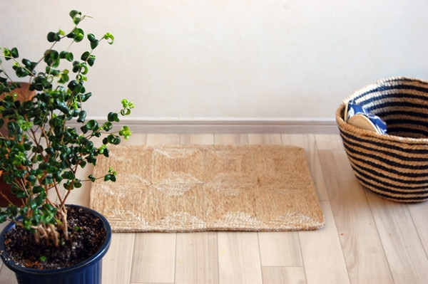 ジュート麻マットを敷いた床