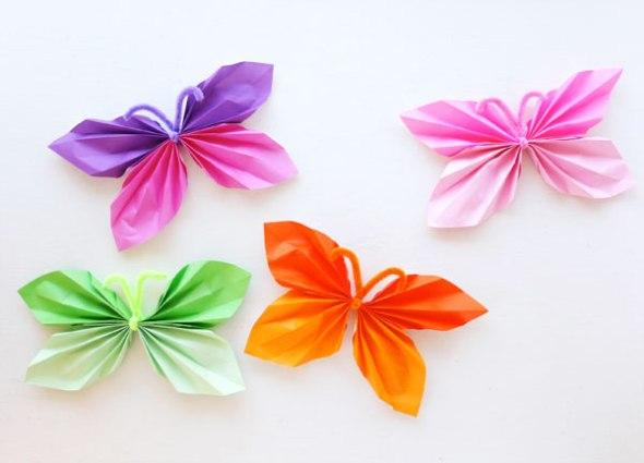 折り紙で作った蝶々