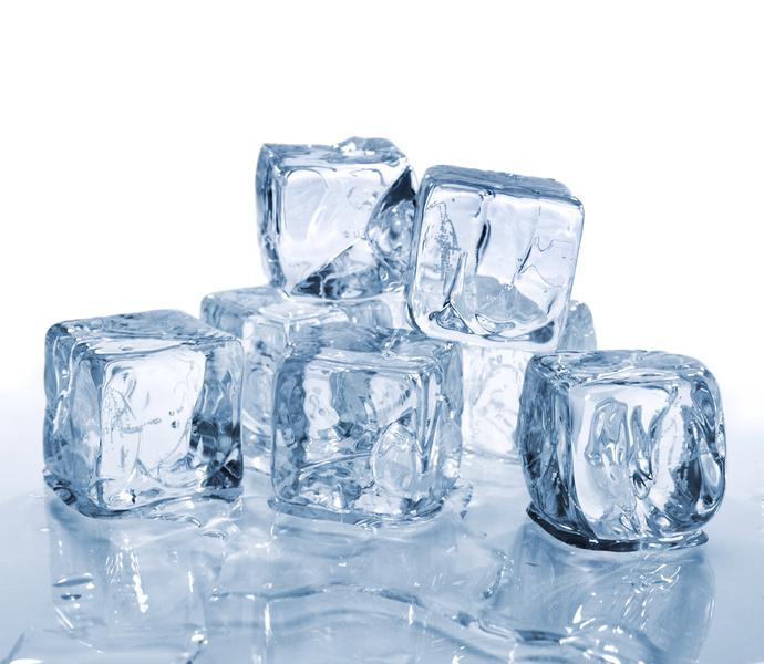 キューブ型の氷